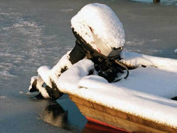 outboard in ice